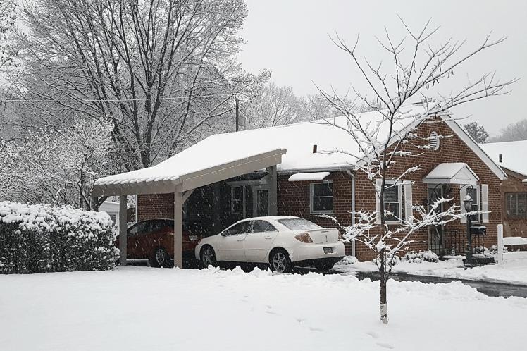 arbor-carport-snow